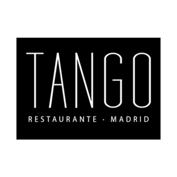carnes argentinas y nacionales a la parrilla, además de exquisitos platos típicos de la cocina española, y rioplatense